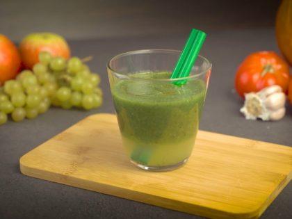 Zielone Smoothie. odkwaszający napój energetyczny dla zmęczonych – przepis